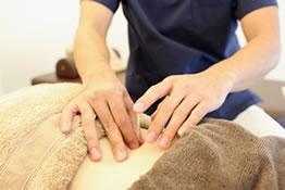 深層の筋肉にアプローチする鍼