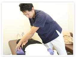 骨盤矯正と美容鍼なら神戸市東灘区のゆかわ鍼灸整骨院へ。神戸市で肩こり、腰痛、頭痛、坐骨神経痛でお悩みの方、自律神経失調症、慢性的な五十肩や腰痛でお悩みの方は神戸市東灘区のゆかわ鍼灸整骨院にご相談ください。神戸市東灘区ゆかわ鍼灸整骨院では、肩こりや頭痛、腰痛、坐骨神経痛、関節痛、交通事故後の不調など、日々の生活で感じる違和感や不調にお悩みの方に対し、痛みの改善だけではなく、原因となる箇所を見極め施術することによって、痛みを解消した後も痛みのでない体作りのサポートをいたします。ゆかわ鍼灸整骨院へお気軽にどうぞ。